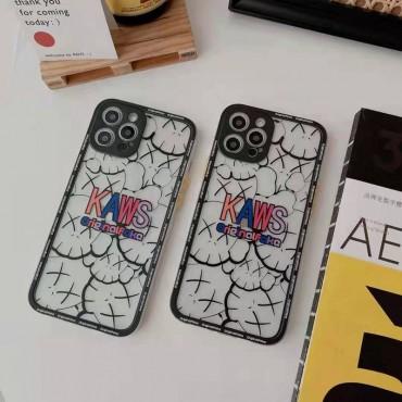 カウズかわいいiphone12/12pro max/12mini/12proケースブランドパロディ風透明iphone11/11pro/11pro maxケースKaws定番ロゴプリントiphone xr/xs/xs max/8/7plusスマホケース