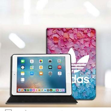 スポーツ風 Adidas iPad air 4 10.8inch/iPad 8 10.2inch 激安 手帳型カバー ブランドパロディ アイパッド エア 2020ケース 新型 防塵 耐衝撃 おしゃれ 可愛い メンズ レデイーズ 送料無料 激安 通販 在庫あり